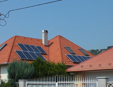 napelem a tetőn
